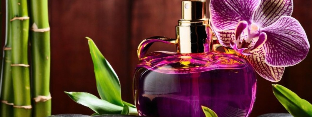 Kalıcı Çiçek Kokulu Parfümler